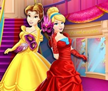 Disney Kızları Maskeli Balo Alışverişinde