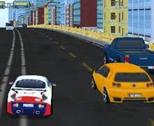 Yarışarak Arabaları Parçala